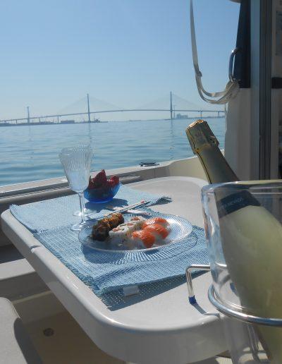 Paseo barco sushi